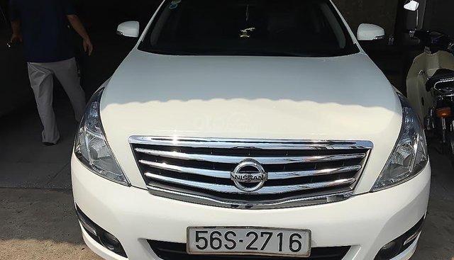 Bán Nissan Teana sản xuất 2010, màu trắng, nhập khẩu nguyên chiếc