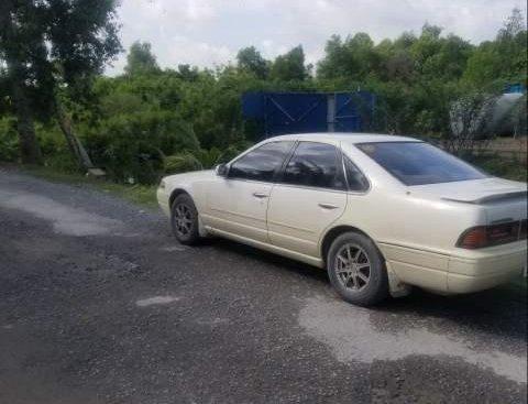 Bán Nissan Altima đời 1990, màu trắng, nhập khẩu nguyên chiếc