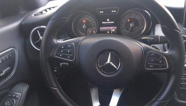Bán xe Mercedes CLA 200 sản xuất 2016, nhập khẩu