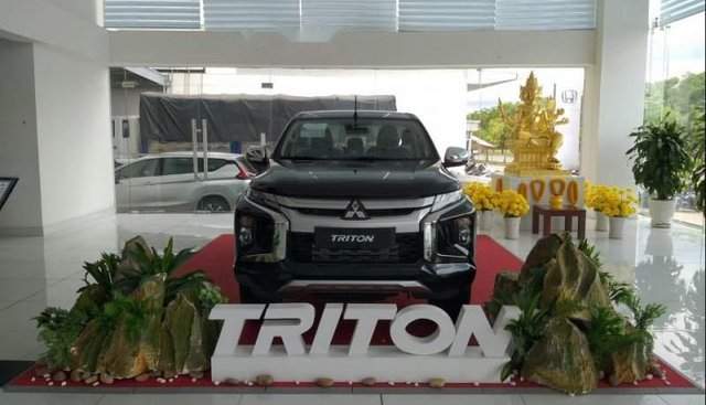 Cần bán xe Mitsubishi Triton đời 2019, màu đen, nhập khẩu nguyên chiếc, giá tốt