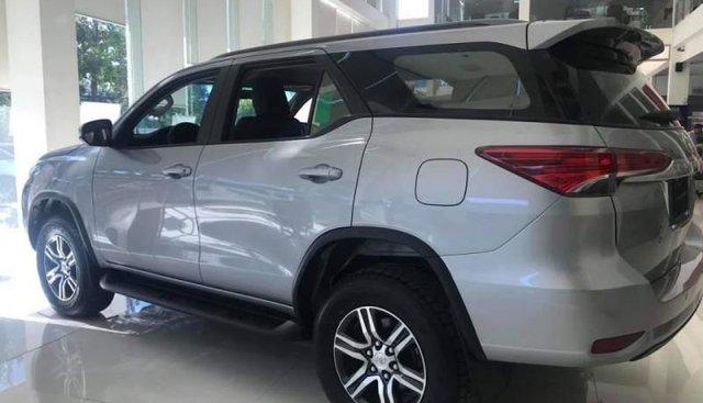 Bán xe Toyota Fortuner đời 2019, đủ màu, giao ngay