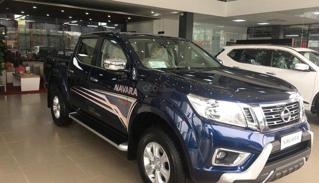 Bán ô tô Nissan Navara EL đời 2019, màu xanh lam, nhập khẩu nguyên chiếc