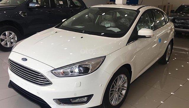 Bán Ford Focus Trend 1.5L đời 2019, màu trắng, giá tốt