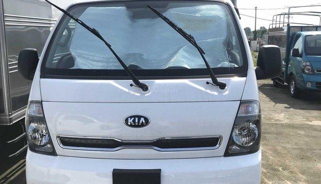 Bán xe Thaco Kia Frontier K250 2019 thùng kín màu trắng