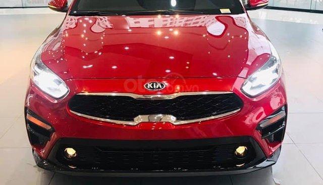 Kia Cerato 2019 nhiều ưu đãi, đủ màu, xe có sẵn và giao ngay, hỗ trợ trả góp 90%, liên hệ 093 317 0660