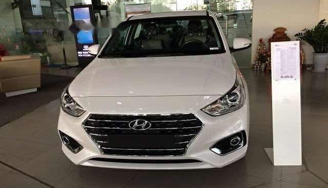 Bán xe Hyundai Accent đời 2019, màu trắng, giá chỉ 427 triệu