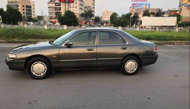 Gia đình bán Mazda 626 năm 1997, màu xám