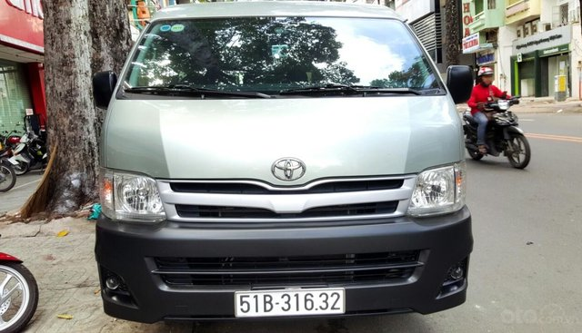 Cần bán Toyota Hiace đời 2011, máy xăng - Liên hệ: 0913715808 - 0917174050 Thanh