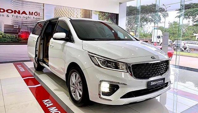 Bán ô tô Kia Sedona năm 2019, màu trắng, rộng rãi, tiện nghi, an toàn vượt trội