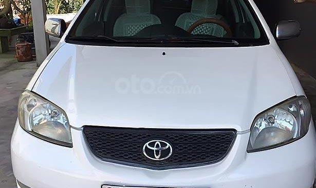 Cần bán xe Vios 2005 màu trắng trang nhã, gia đình vẫn đang đi ổn định