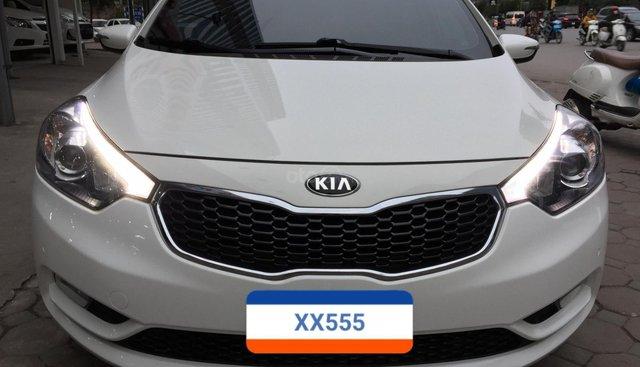 Bán xe Kia K3 mua mới năm 2015, màu trắng, 1 chủ, xe gia đình