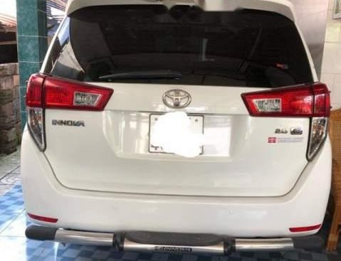 Chính chủ bán Toyota Innova đời 2017, màu trắng