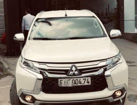 Bán Mitsubishi Pajero năm 2018, màu trắng, nhập khẩu số tự động