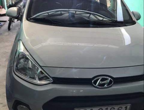 Bán xe Hyundai Grand i10 sản xuất 2015, màu bạc, nhập khẩu