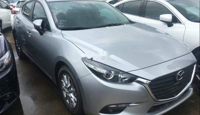 Cần bán lại xe Mazda 3 đời 2017, màu bạc