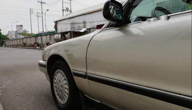 Bán Toyota Cressida XL năm sản xuất 1994, màu vàng, 118tr