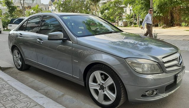 Bán Mercedes C300 năm sản xuất 2010, màu xám