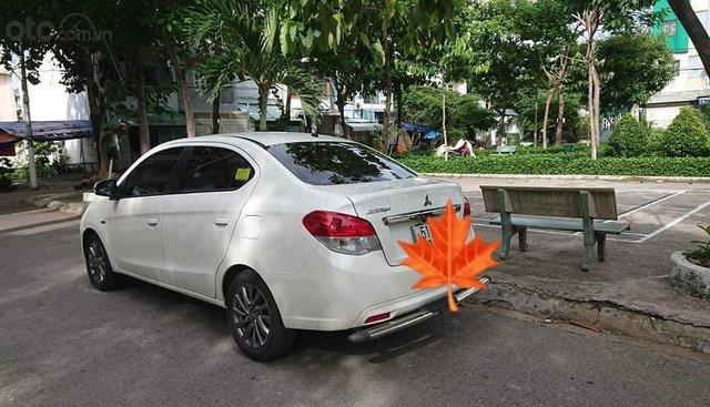 Bán Mitsubishi Attrage CVT năm 2015, màu trắng, xe nhập, xe nhà mới đi 16.000km