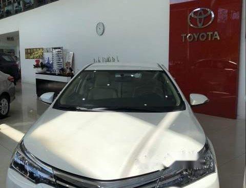 Bán xe Toyota Corolla altis 1.8L đời 2019, màu trắng