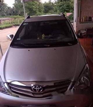 Bán xe Toyota Innova G năm sản xuất 2009, màu bạc, chính chủ