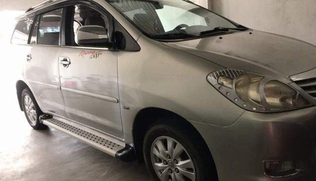 Bán Toyota Innova G đời 2010, màu bạc, số sàn