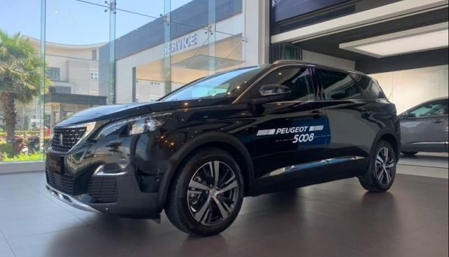 Cần bán xe Peugeot 5008 năm 2019, màu đen
