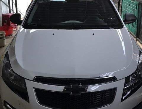 Bán Chevrolet Cruze năm 2014, màu trắng, xe gia đình