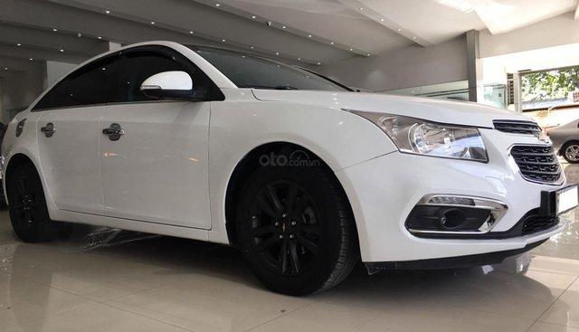 Bán xe Chevrolet Cruze LT 1.6MT đời 2017, màu trắng giá 425 triệu