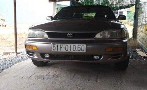 Bán ô tô Toyota Camry đời 1992, nhập khẩu, giá tốt