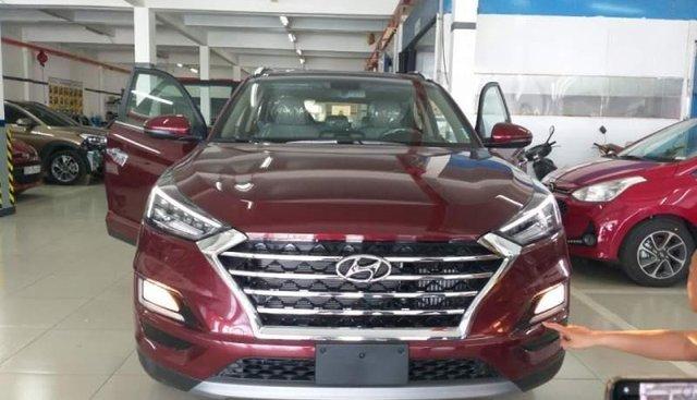 Cần bán xe Hyundai Tucson năm sản xuất 2019, màu đỏ