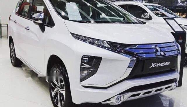 Cần bán xe Mitsubishi Xpander MT sản xuất 2019, màu trắng, xe nhập