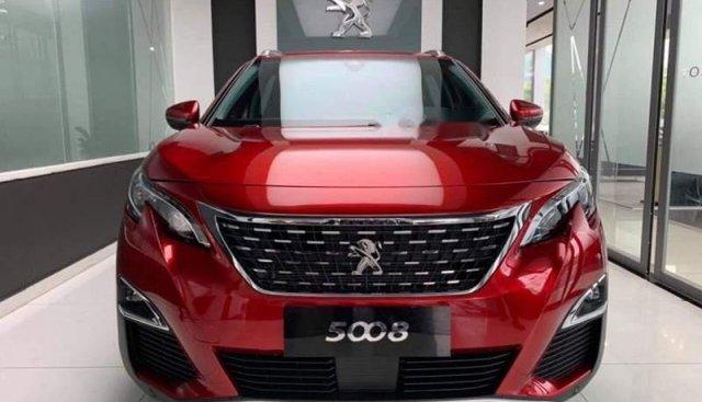 Cần bán xe Peugeot 5008 năm sản xuất 2019, màu đỏ