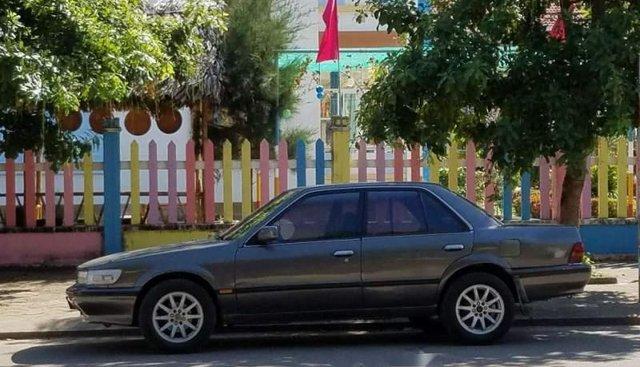 Cần bán lại xe Nissan Bluebird MT đời 1993, nhập khẩu, máy êm ái