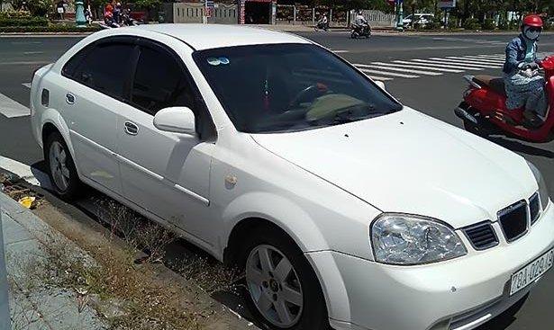 Bán xe Daewoo Lacetti Max 1.8 MT sản xuất 2005, màu trắng