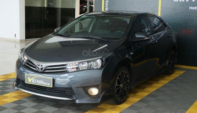 - Cần bán Toyota Corolla Altis Sport V 2.0AT sản xuất 2014, màu xanh, 666 triệu