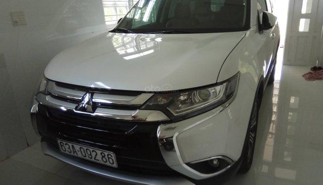 Bán Mitsubishi Outlander đời 2018 như mới, màu trắng, giá 870tr