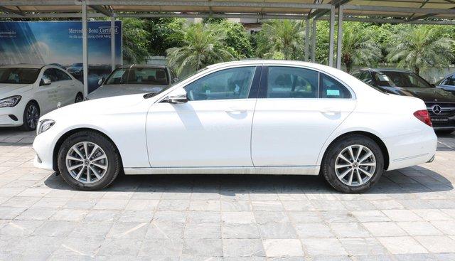 Bán Mercedes E200 trắng 2019 chính hãng, LH 0934299669 - 0904474664