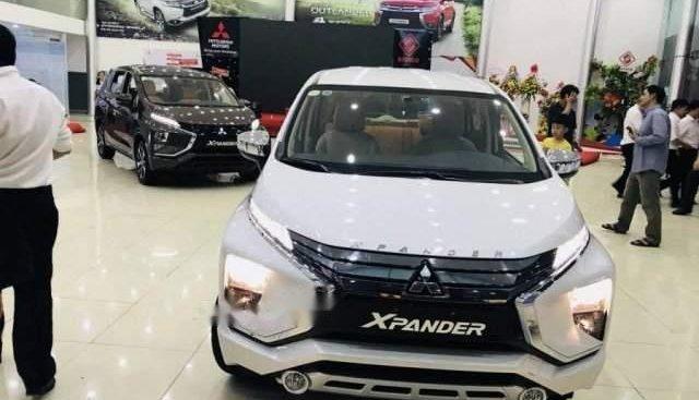Bán Mitsubishi Xpander đời 2019, màu trắng, xe nhập