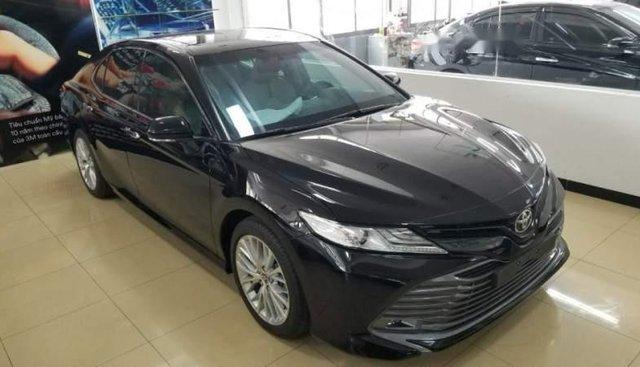 Bán Toyota Camry mới 2019 ngoại thất, nội thất, trang bị hiện đại như Lexus