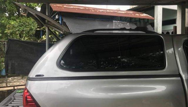 Cần bán Toyota Hilux đời 2018 còn mới