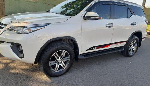 Cần bán Toyota Fortuner 2.4G 4x2MT đời 2017, màu trắng, nhập khẩu nguyên chiếc, giá tốt
