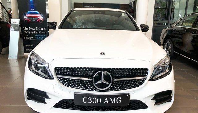 Bán Mercedes C300 AMG 2019 giao ngay giá ưu đãi lớn nhất, mua xe chỉ với 399tr