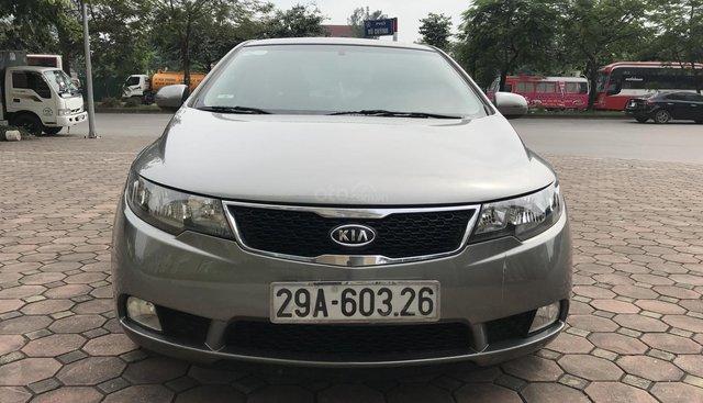 Bán xe Kia Forte sản xuất 2012, màu xám (ghi), giá 370 triệu