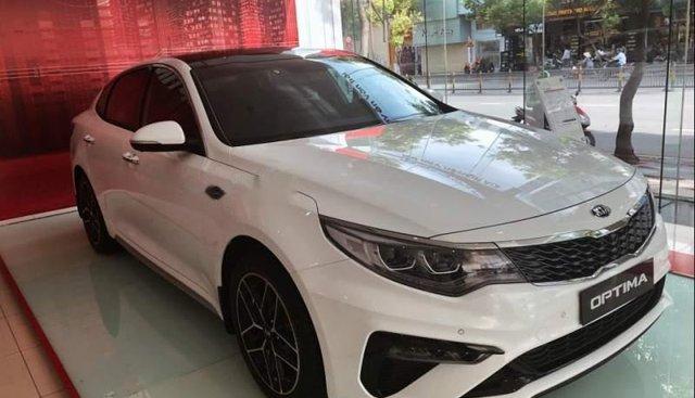 Bán xe Kia Optima 2.4GTL 2019, màu trắng