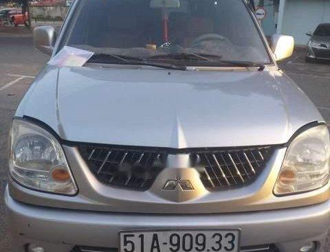 Bán Mitsubishi Jolie đời 2004, màu bạc, xe nhập