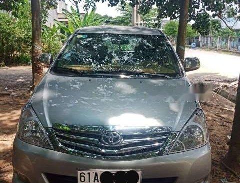 Cần bán Toyota Innova đời 2009, màu bạc, giá chỉ 375 triệu