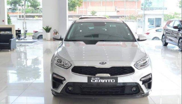 Cần bán xe Kia Cerato Deluxe đời 2019, màu bạc