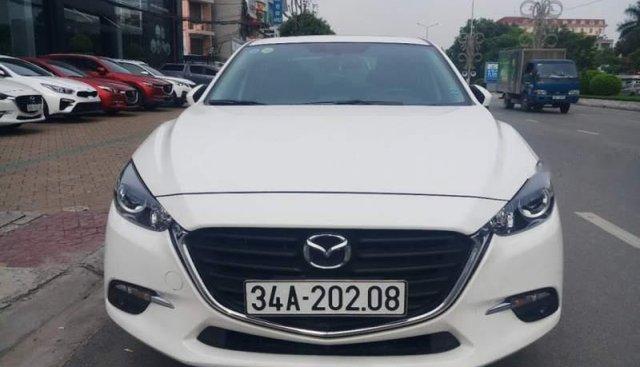 Bán Mazda 3 đời 2017, màu trắng, giá chỉ 630 triệu