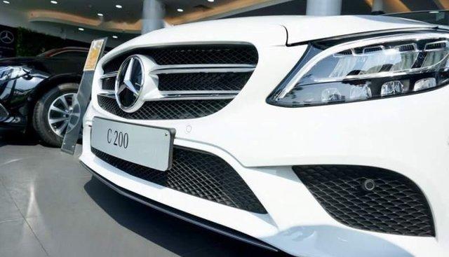Bán Mercedes C200 đời 2019, giá tốt, đủ màu