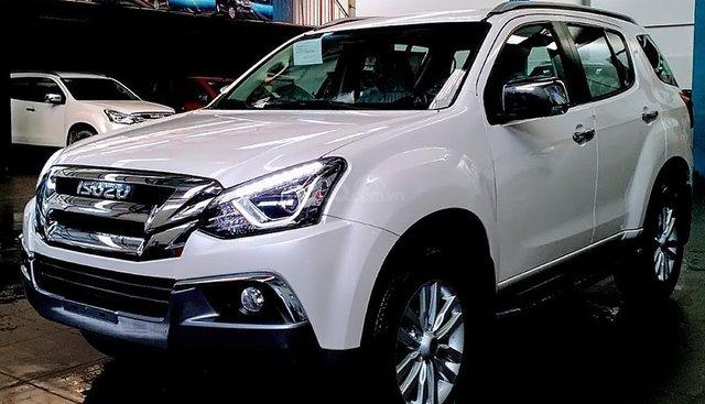 Bán Isuzu mu-X 1.9 4X2 AT năm sản xuất 2019, màu trắng, nhập khẩu nguyên chiếc